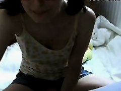 Amateur Hot Girl Play On Webcam