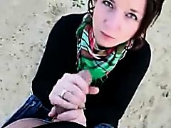 Cute German cutie giving a oral-stimulation for the 1st time in outdoor place