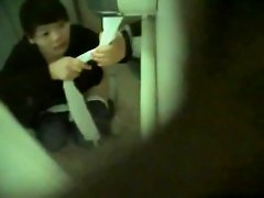 Girls Pissing voyeur video 100