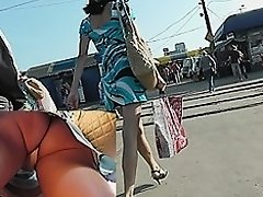 Dilettante lengthy legs widen on up petticoat vid